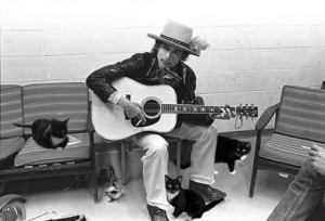 bob_dylan_with_cats_reviler