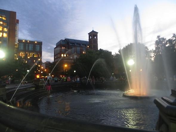 washington_square_park_plumes_fountain_summer_2013_6