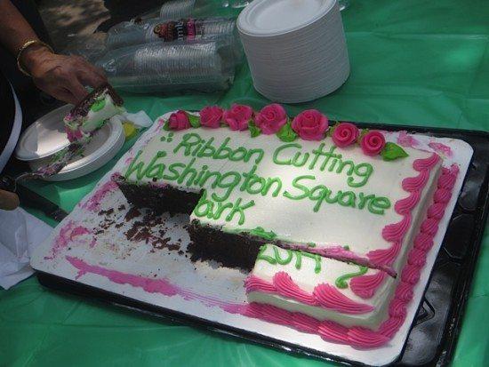 cake_at_ribbon_cutting_phase_III_washington_square_park
