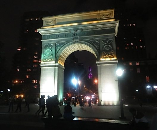 arch_at_night_washington_square_park__