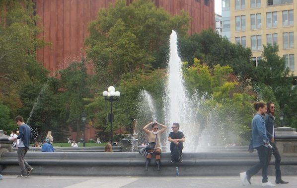 fountain_on_washington_square_park_fall