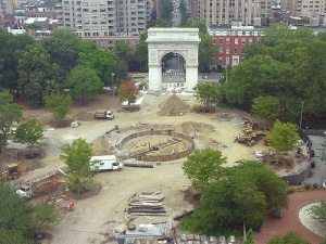 Photo Fountain Plaza under construction: J. Bary