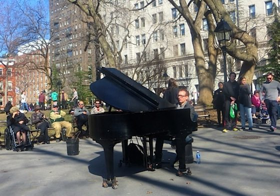 colin_huggins_pianist_washington_square_park