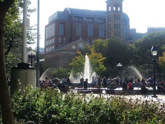 fountain-plaza-washington-square-park-early-fall