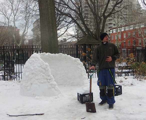 igloo-washington-square-park-winter-3