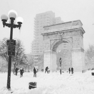 Washington Square Park: Snow = Fun! #Jonas Blizzard 2016