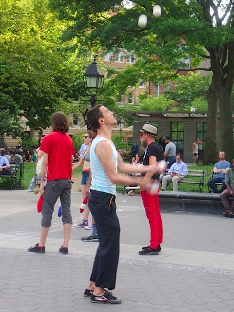 juggler-washington-square-park-june-2016