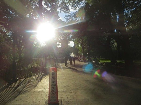 washington-square-park-entrance-eastern-end-sunlight-summer-2016