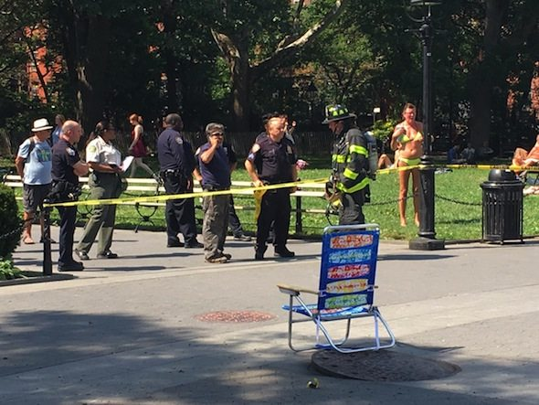 manhole explosion washington square park fountain plaza
