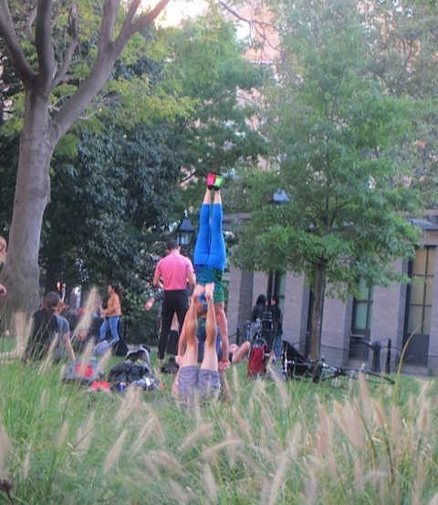 acrobatics-washington-square-park-fall-activities