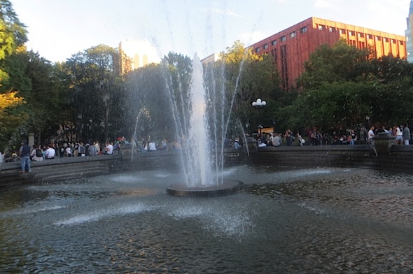 fountain-washington-square-park-greenwich-village-fall