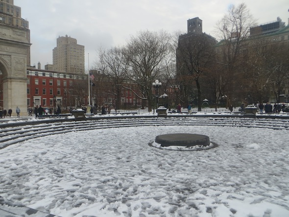 empty-fountain-filled-with-snow-washington-square-park-15