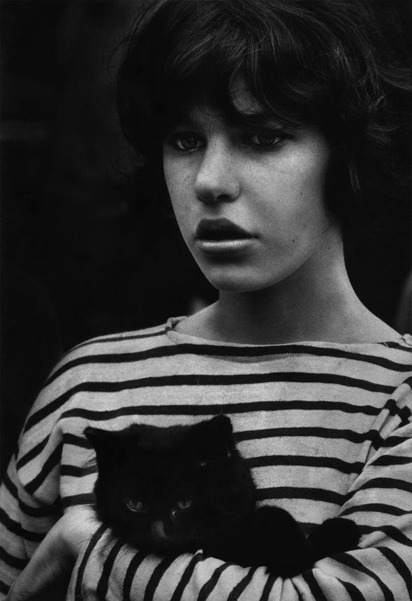 girl-with-black-cat-washington-square-Heath-01