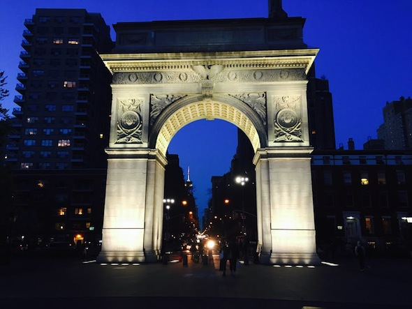 washington-square-arch-nightime-sky
