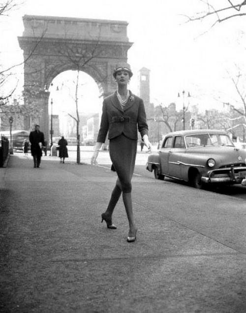 Model Simone d'Aillencourt Washington Square Park Arch