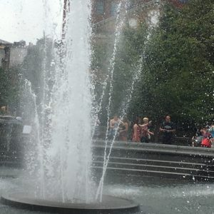 "Listen to the ""Sounds of the Washington Square Park Fountain"" Year Round"