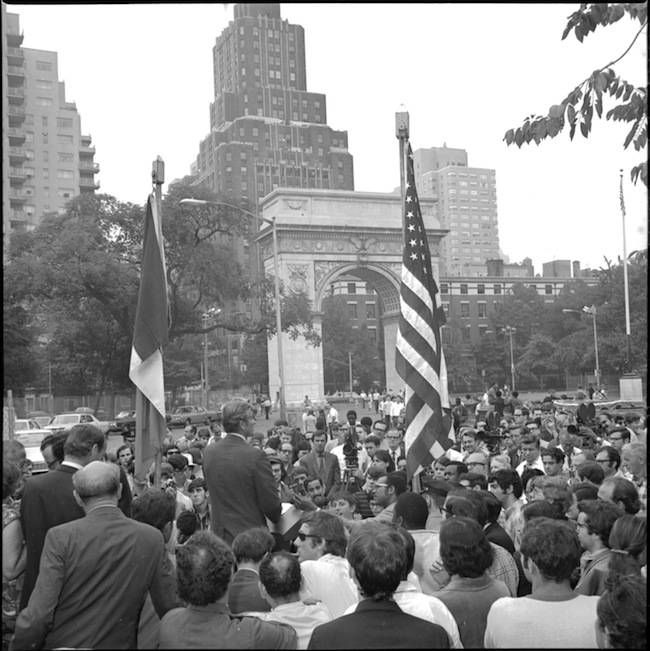 Mayor John Lindsay at 1969 groundbreaking Washington Square Park