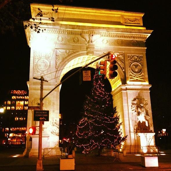 washington square park christmas tree under the Arch
